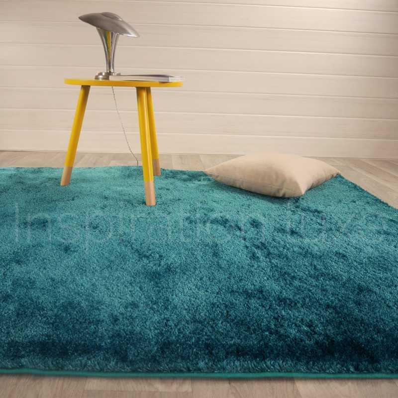 tapis sur mesure bleu shaggy fin et doux