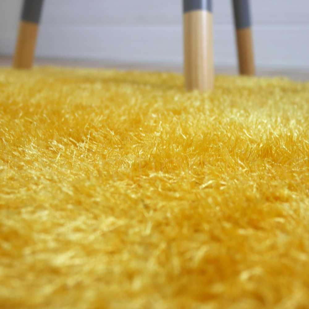 tapis jaune de salle de bain leger sur mesure