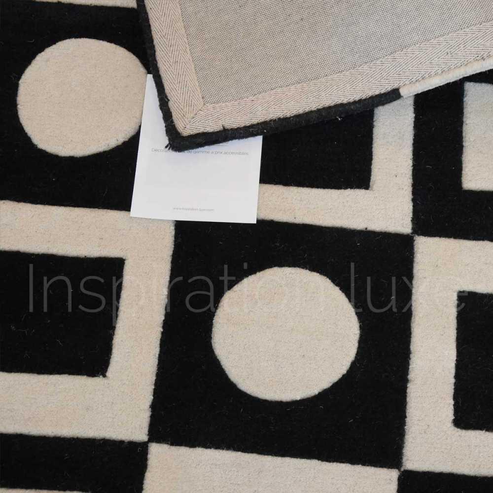 tapis moderne design noir et blanc casse simbols black par carving