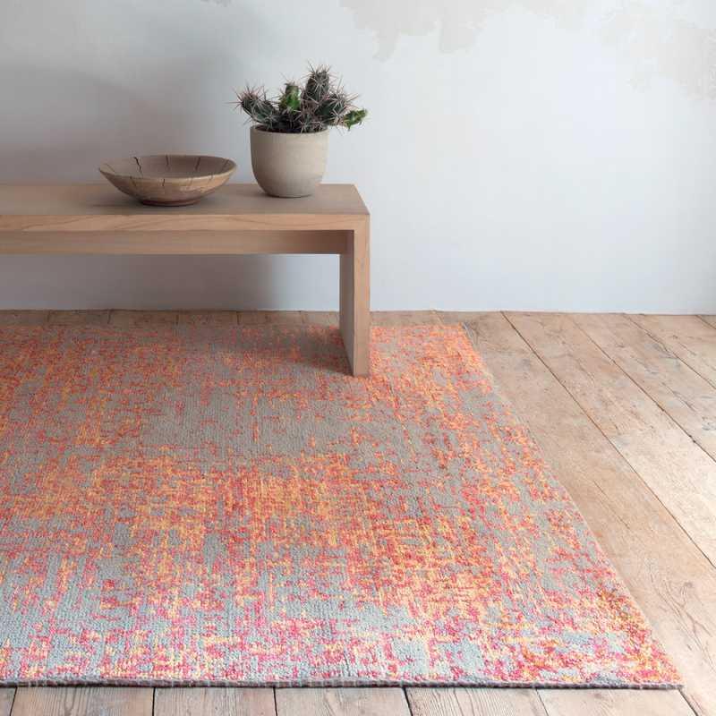 tapis design a motifs rouge en laine et viscose noue main en inde
