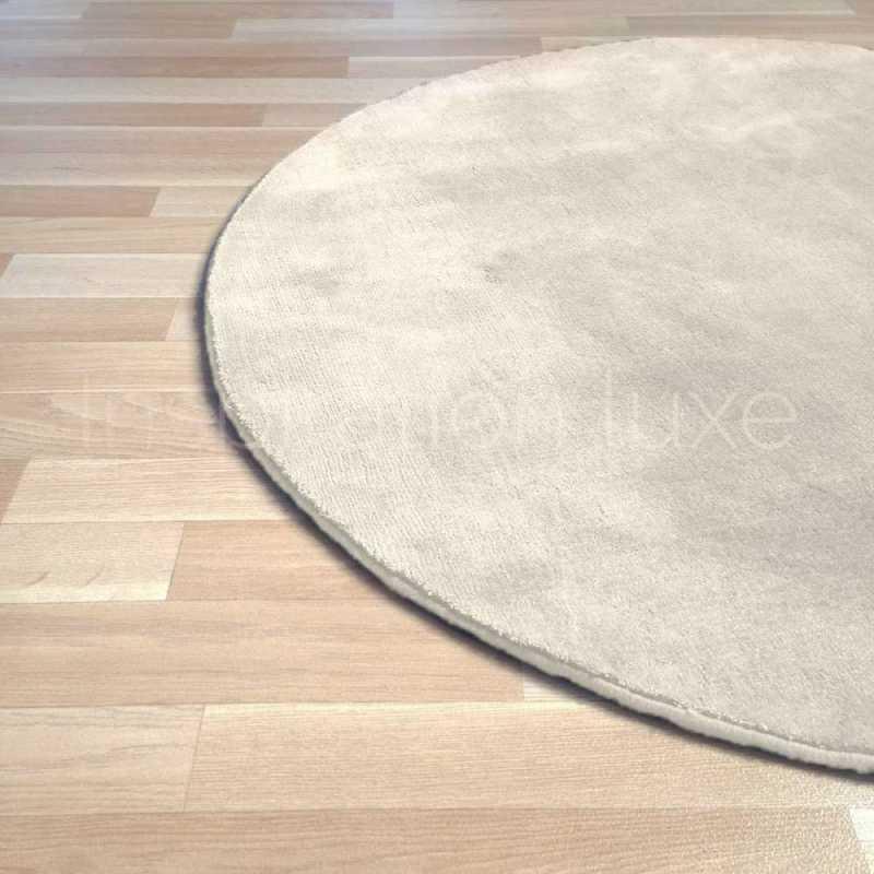tapis rond sur mesure blanc ecru en viscose par inspiration luxe editions
