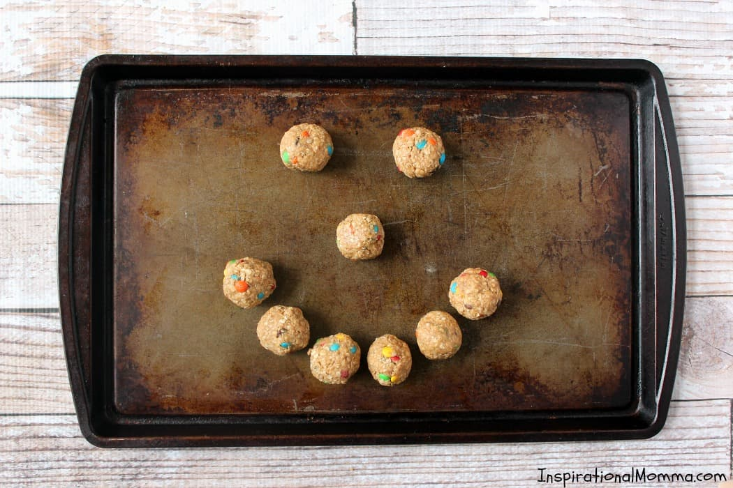 These No-Bake Easy Energy Bites are packed with flavor and just what you need to curb your cravings and boost your energy! Healthy and delicious!
