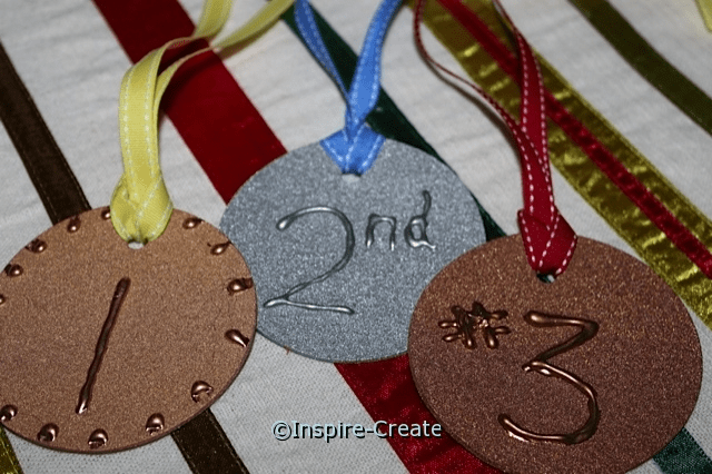 how to make medals for kids games