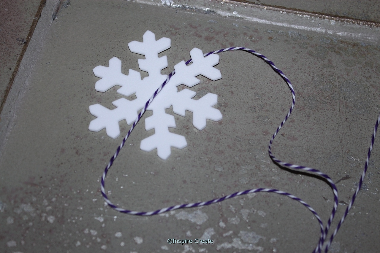wrap large snowflake shape with bakers cotton