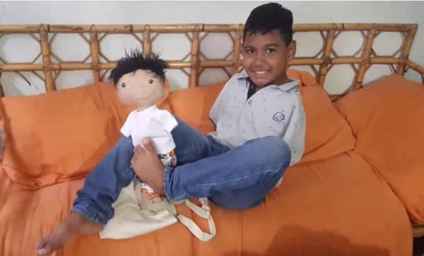 A Woman Creates Unique Dolls For Children That Differ - 14
