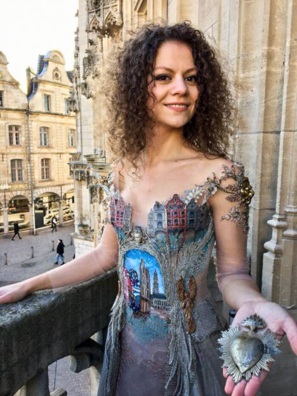 French Designer Creates Unique Dresses From The Spines of Books - 6
