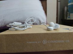 The bundled earphones with Yureka.