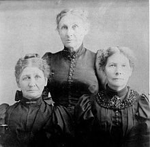 Catherine, Elizabeth, and Matilda Sager meet at the 50th anniversary commemoration of the Whitman massacre in November 1897.