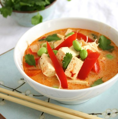 Spicy Thai Coconut Soup with Ginger, Lime and Vermicelli