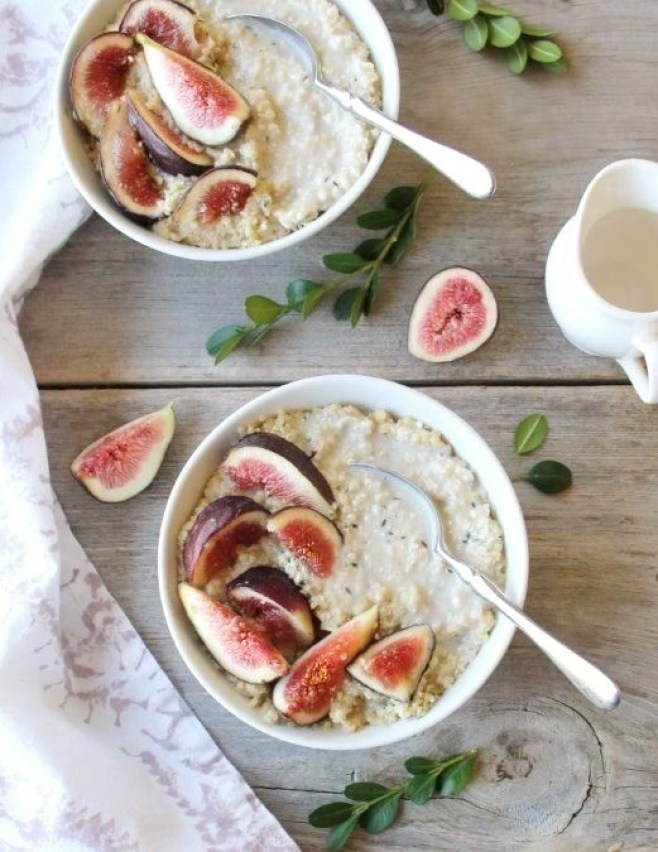 millet porridge with fresh fig, honey and hemp