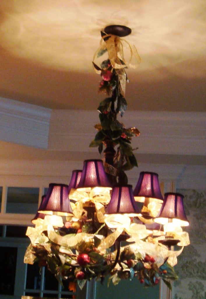 20 Christmas Chandelier Decorating Ideas To Try Inspired Luv