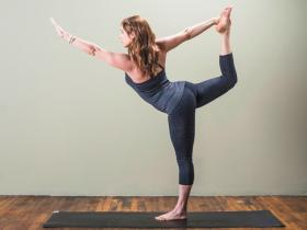 4 Effective Yoga Poses For Weight Loss