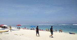 gambar pantai pandawa beach nusa dua bali