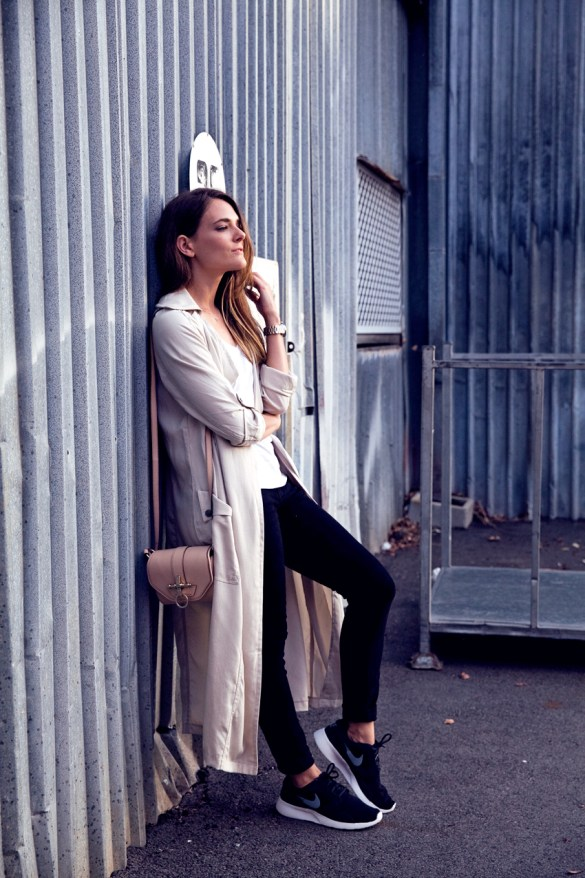 Inspiring Wit blogger Jenelle Witty for Rockingham Shopping Center April Throwback campaign