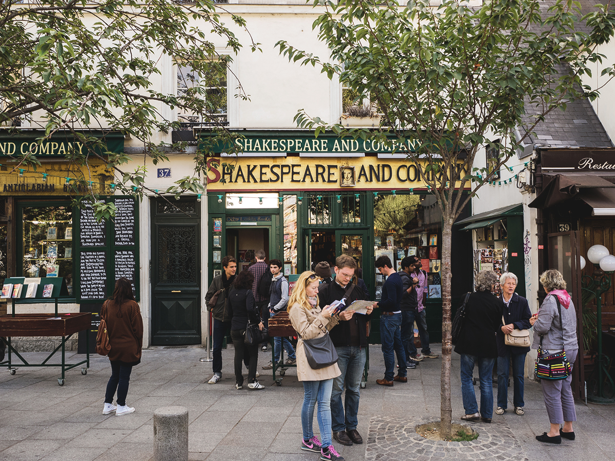 Shakespeare and Co in Paris, travel blogger, Inspirng Wit, ultimate guide to Paris