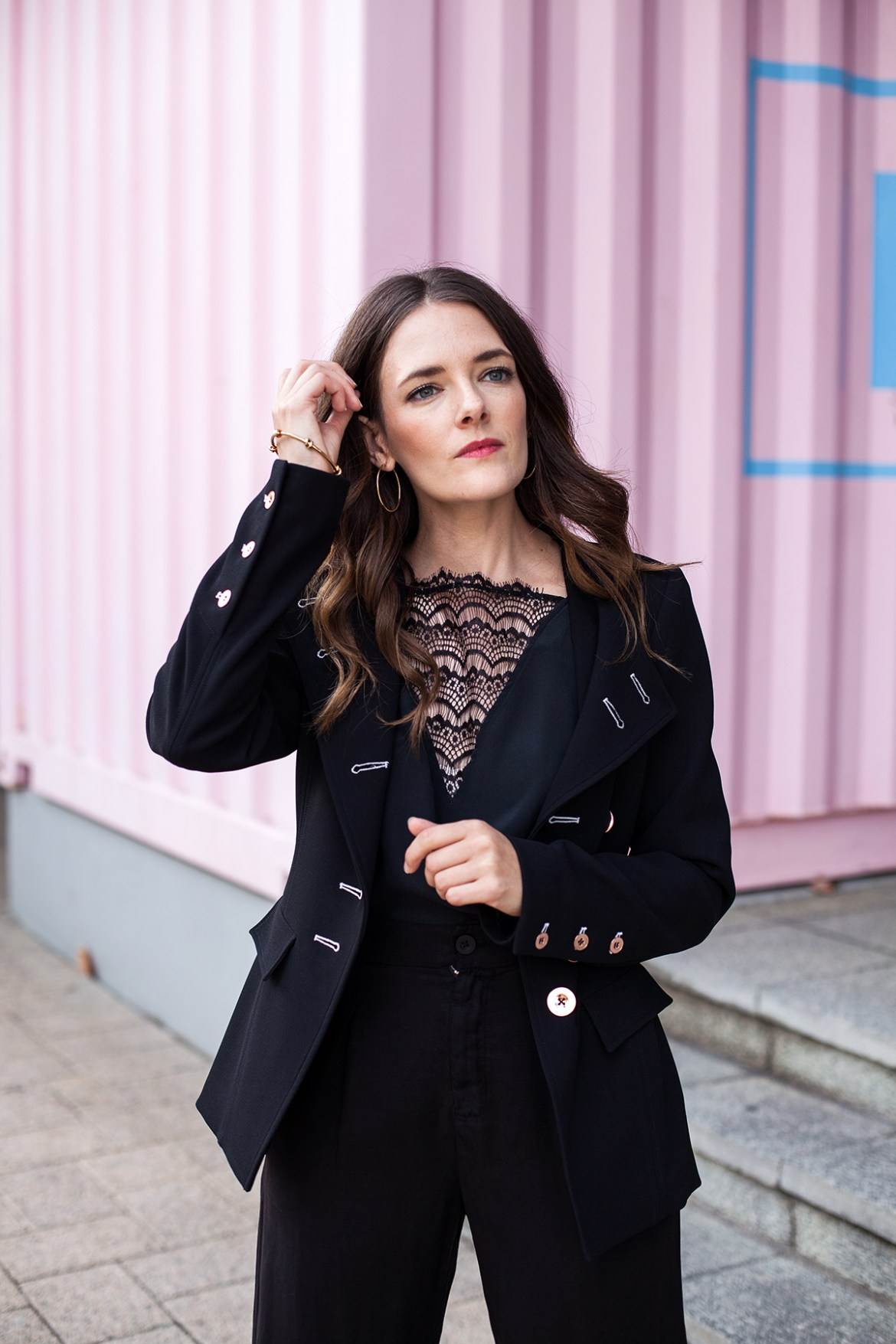 Inspiring Wit for City of Perth Winter fashion in Ginger and Smart blazer and lace cami from Periscope Boutique. Perth fashion blogger Jenelle Witty