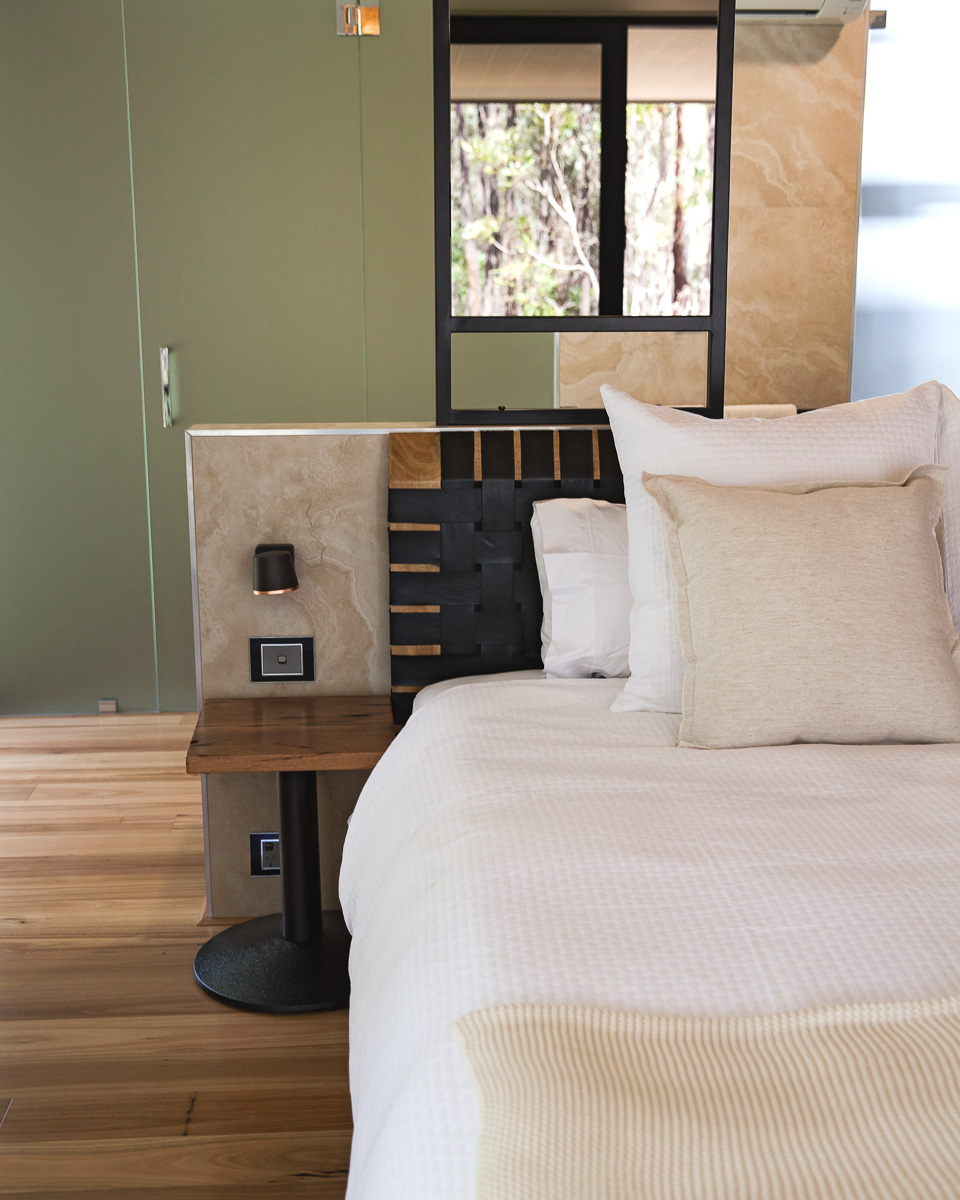 Inspiring Wit travel blog, visiting the new Amaroo Spa Retreat in the Perth Hills bed