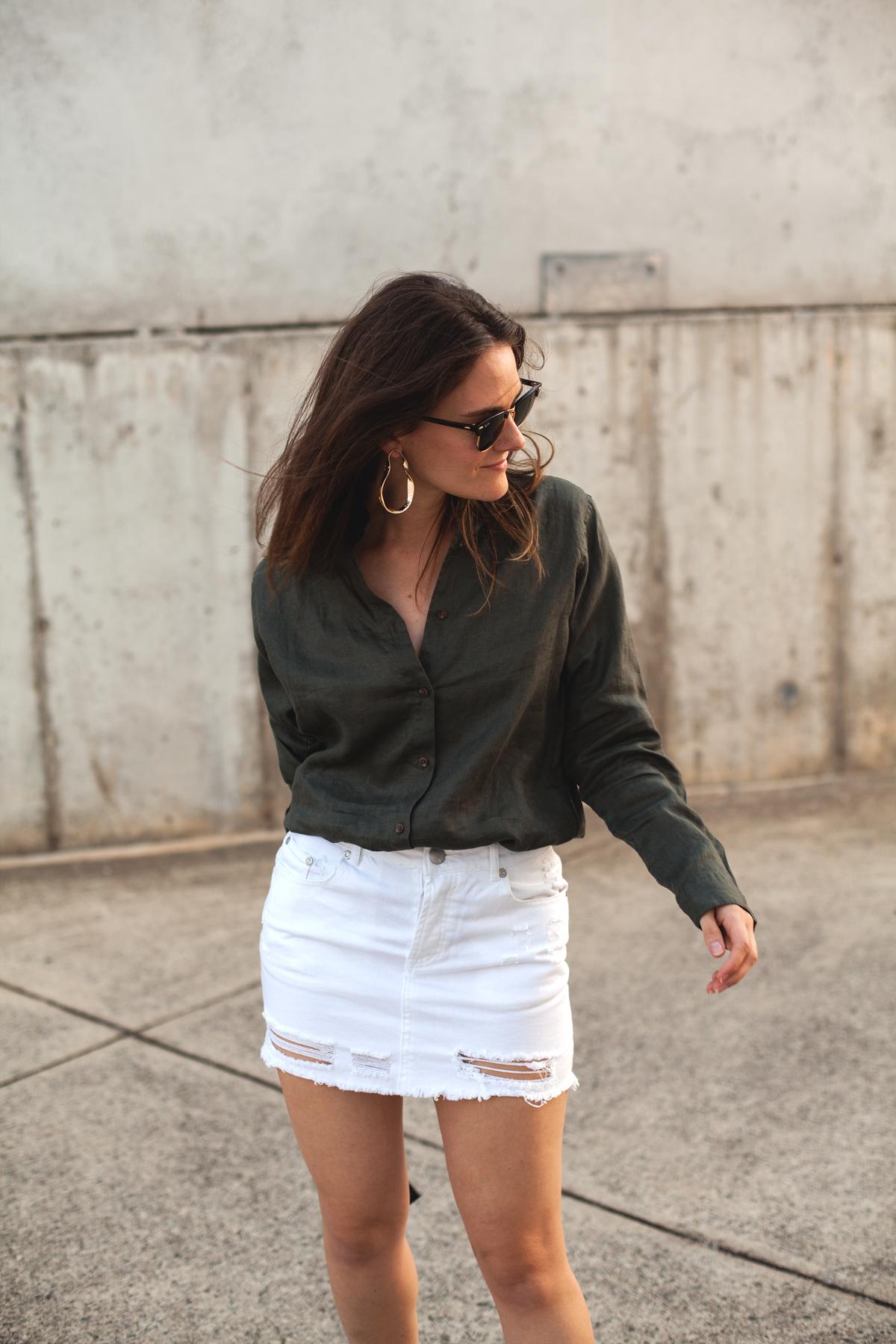Inspiring-Wit-Uniqlo-Premium-linen-long-sleeve-shirt-olive