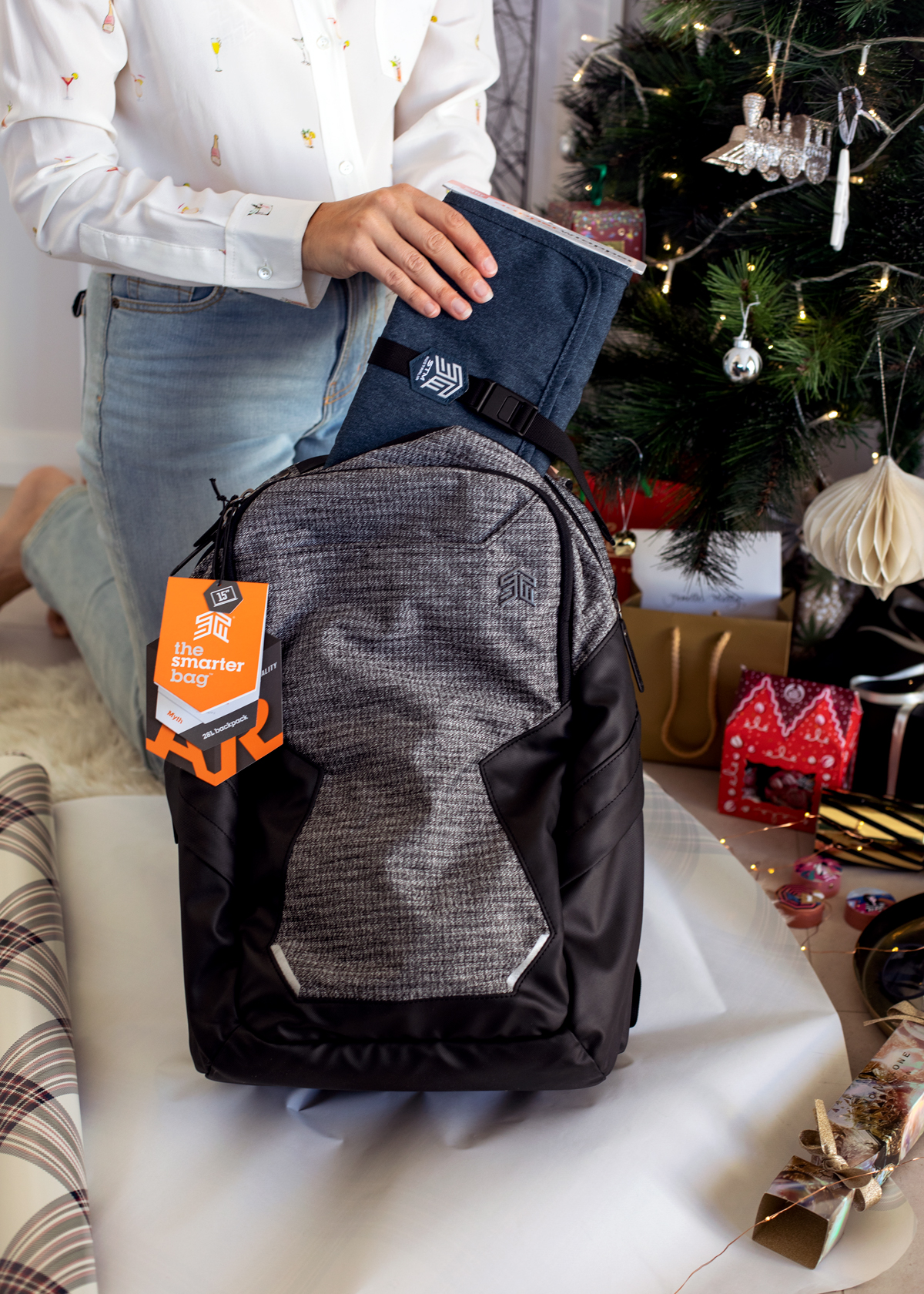 2018 Christmas gift guide Inspiring Wit blog featuring men's gifts STM goods Myth Dapper Wrapper and Myth 28L Laptop backpack