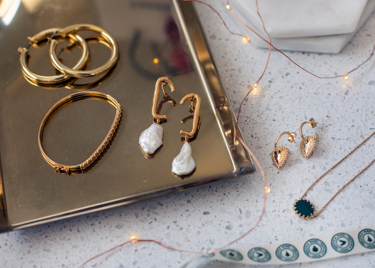 2018 Christmas gift guide Inspiring Wit blog featuring women's gift ideas with jewellery from VOA x Jo Hobsch and Luv Aj and Murkani and Astley Clarke