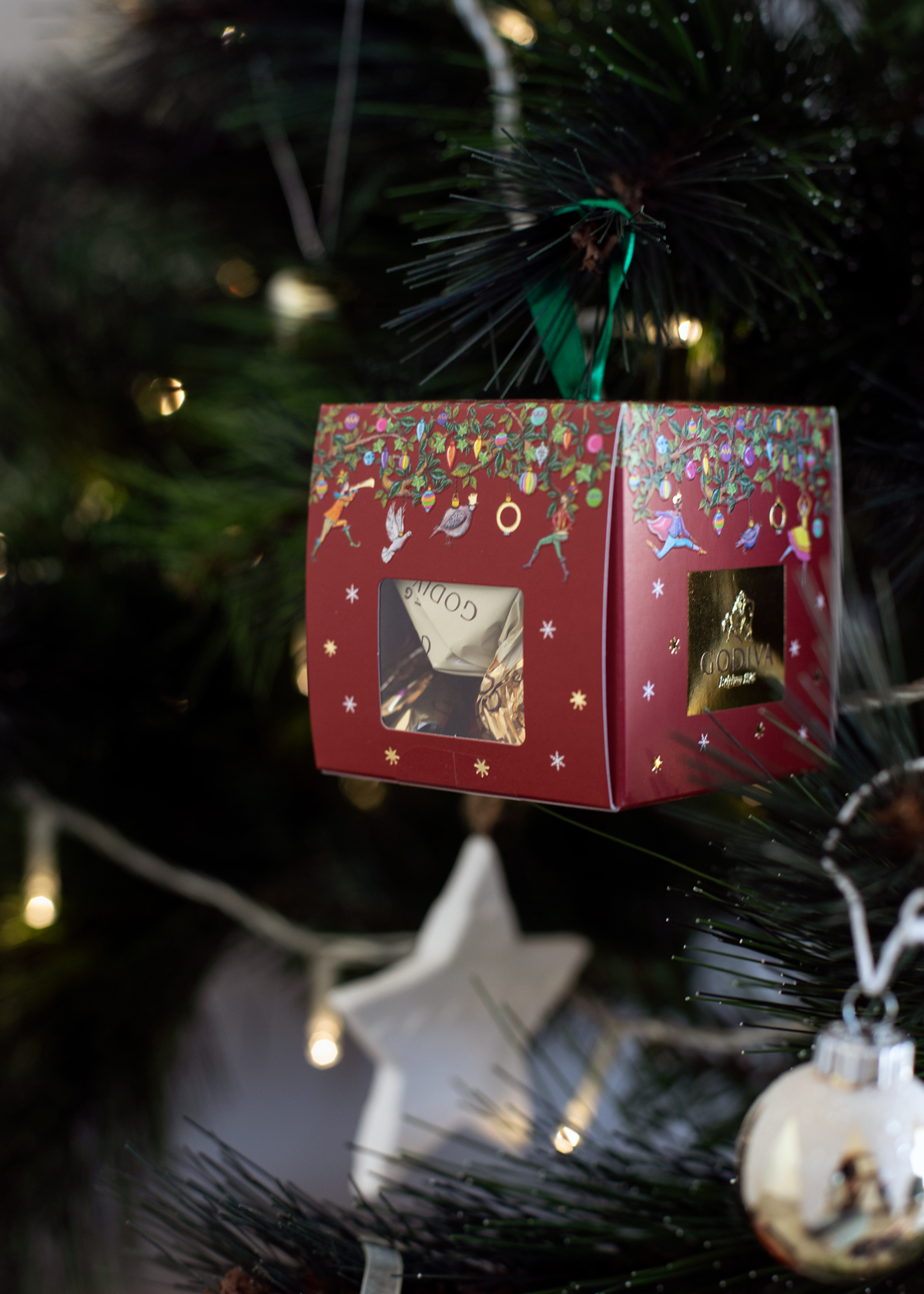 2018 Christmas gift guide Inspiring Wit blog featuring men's or women's gifts Godiva Chocolates box bauble