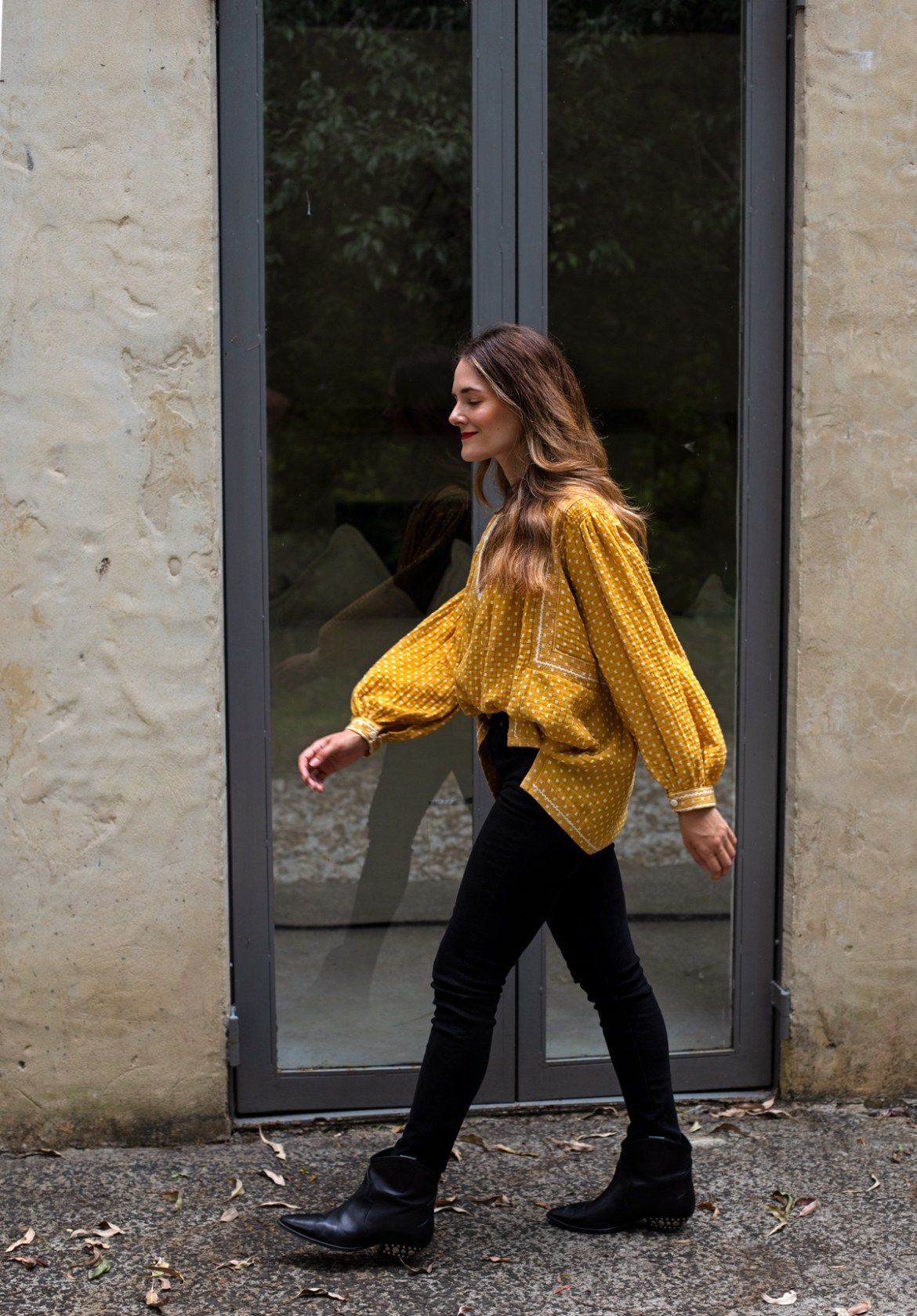 Yellow Bohemian Traders blouse and black skinny jeans outfit idea for spring