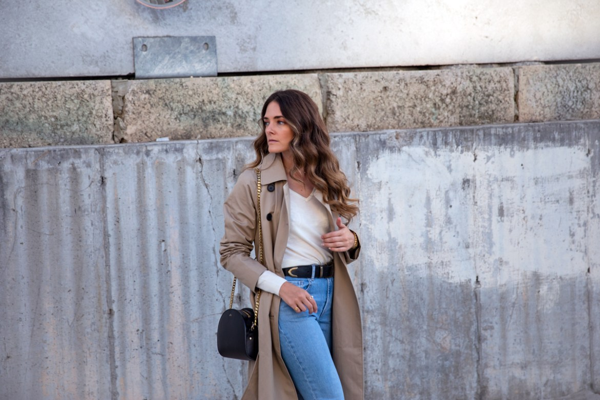 Everlane the drape trench coat in khaki worn with high waisted jeans classic outfit idea for spring or fall worn by Inspiring Wit fashion blogger Jenelle Witty street style photo