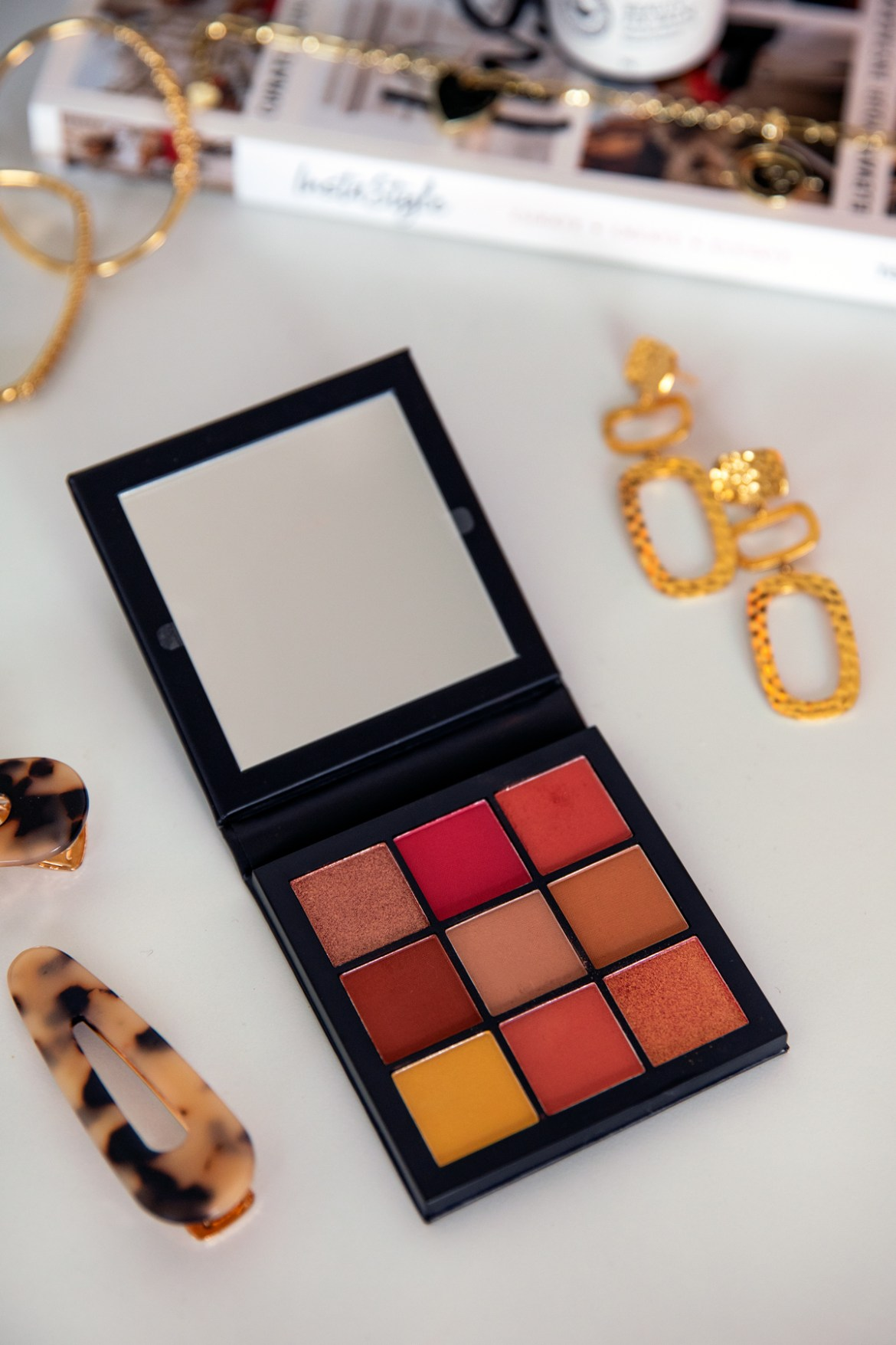 Huda Beauty eye shadow palette product review by Inspiring Wit from Sephora haul