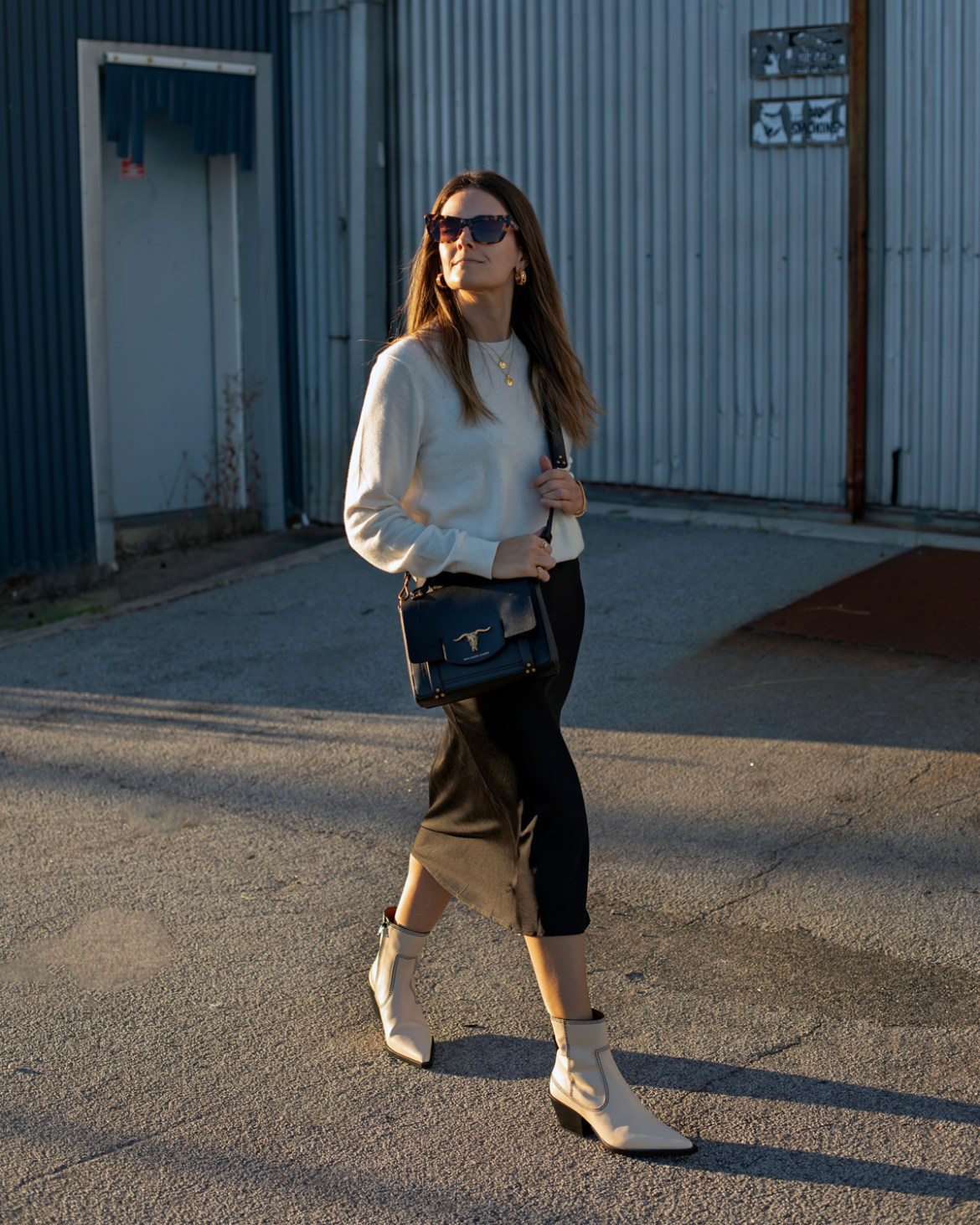cream knit, crossbody bag and cream ankle boots outfit idea