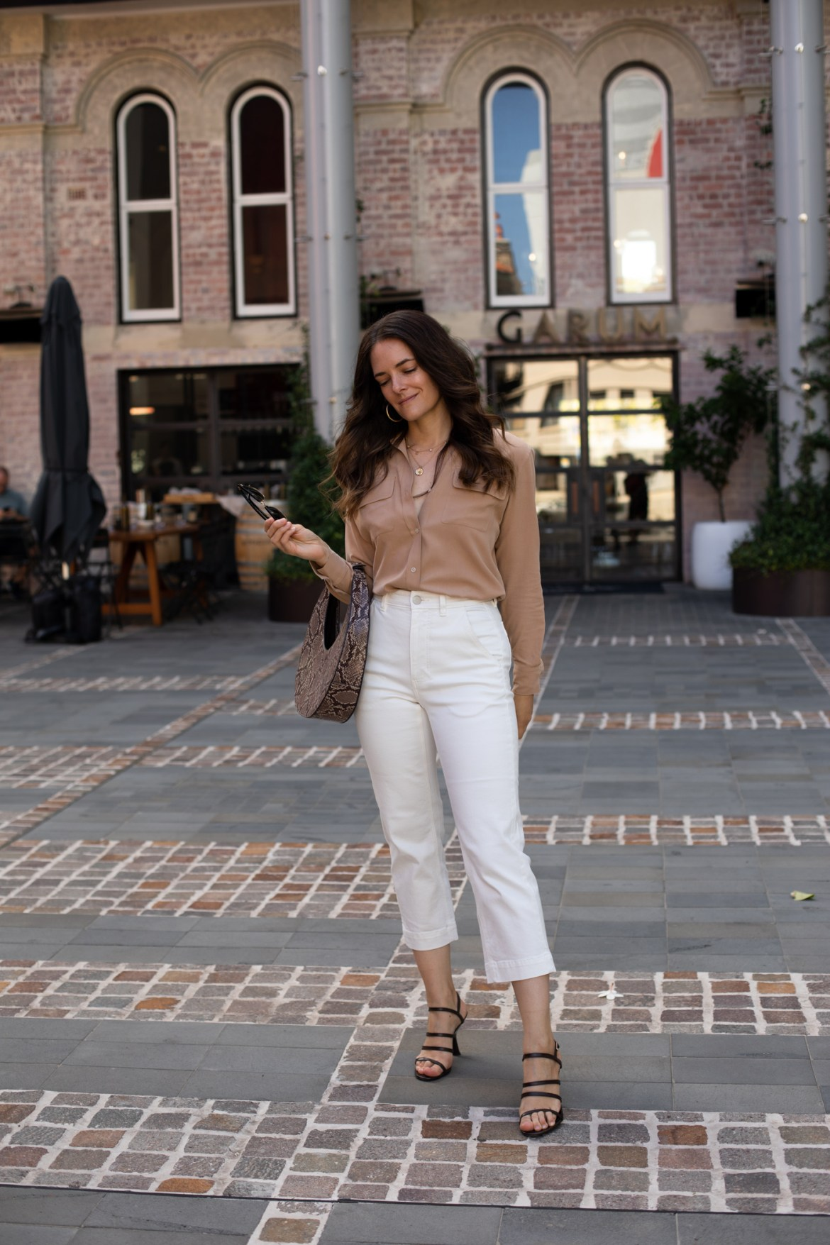 Get Everlane's best selling straight leg crop pants for only $50!