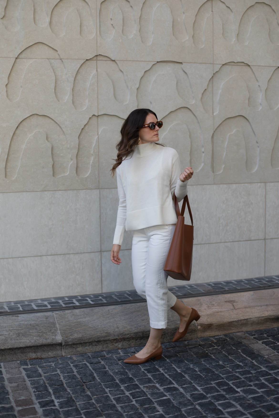 cream and tan outfit idea with Everlane cashmere turtleneck
