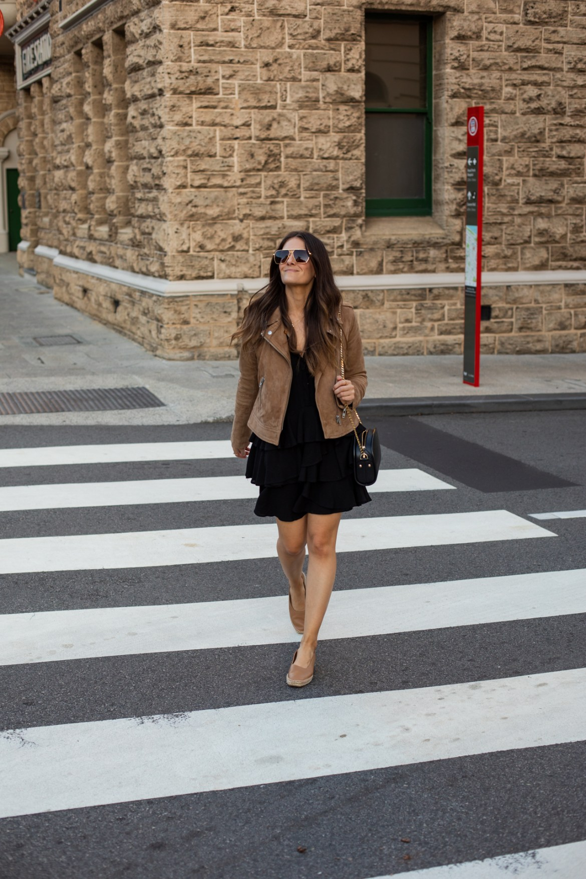 the coolest sunglasses from Bottega Veneta worn by Inspiring Wit fashion and style blogger Jenelle