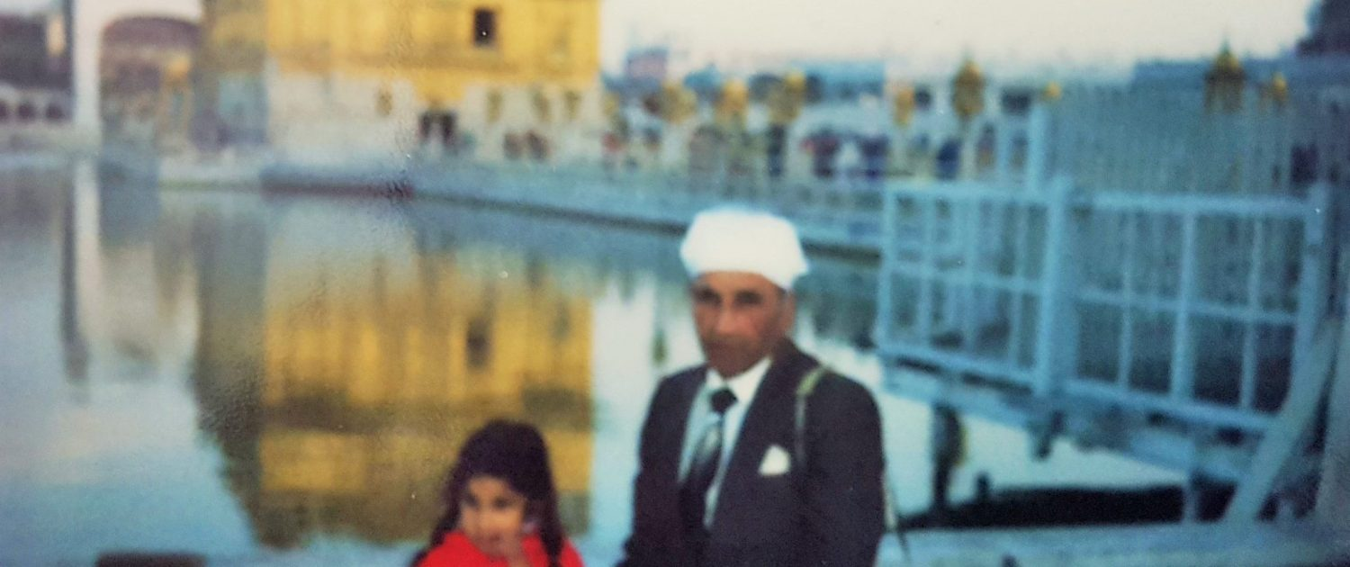 Photo of Anj Handa and her dad outside Golden Temple