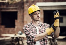 Pracovné rukavice: viete si vybrať tie správne?
