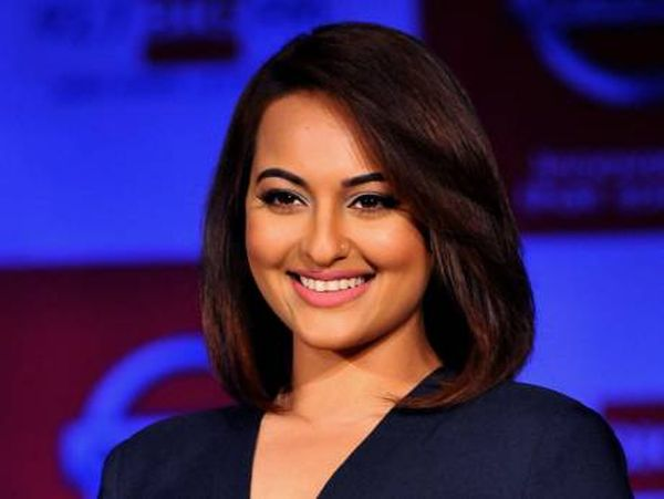 indian-idol-junior-sonakshi-sinha