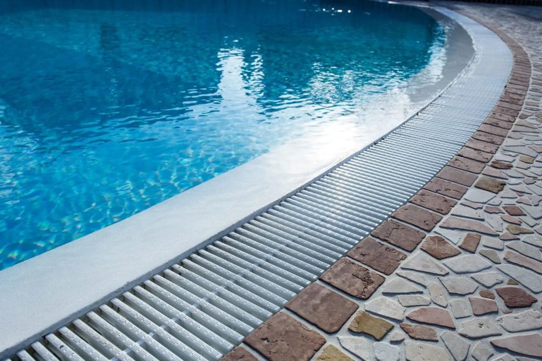 bordes de piscina r