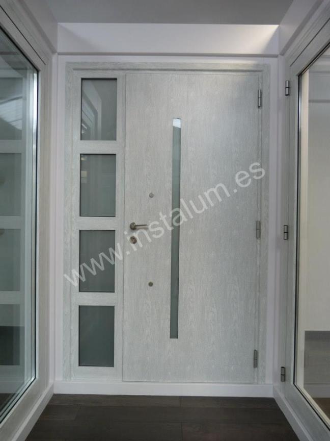 puerta centroalum exposicion ocultec