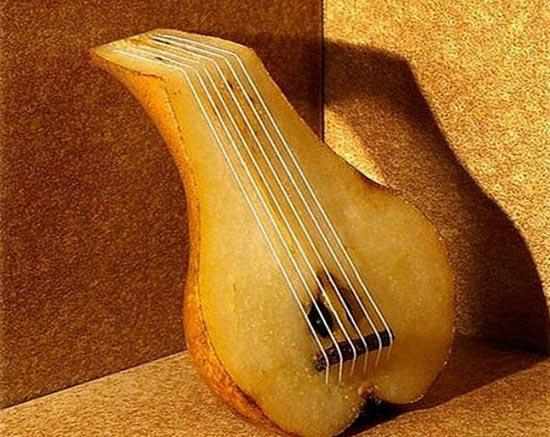 Food Art - Bass Pear