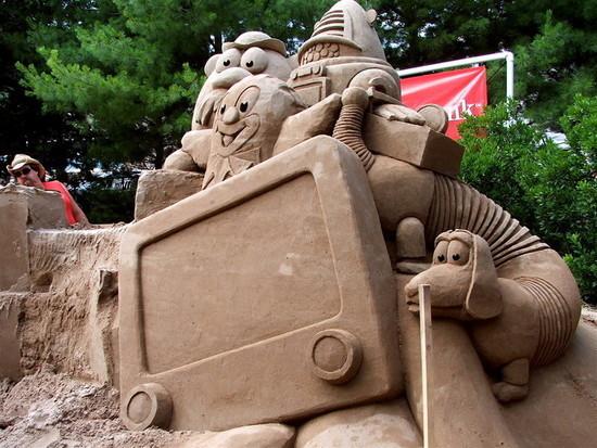 Kid's TV Sand Sculpture I