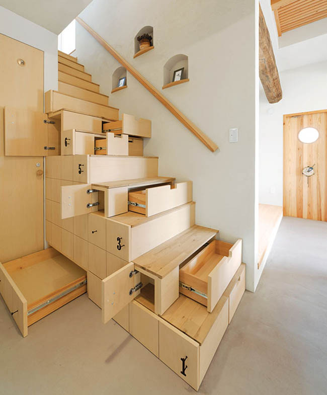 Stairs With Drawers And Shelves