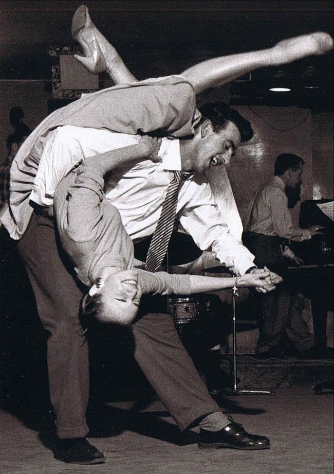 Vintage swing dancers!