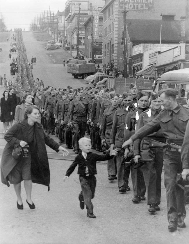 'Wait For Me Daddy,' by Claude P. Dettloff