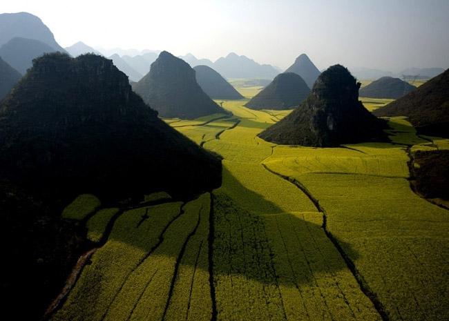 Chocolate Hill, China