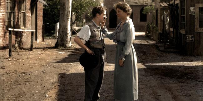 Hellen Keller meeting comedian Charlie Chaplin in 1918