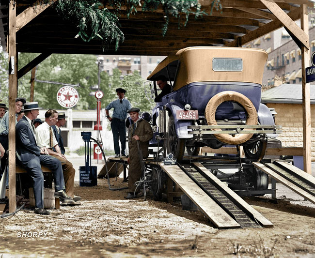 A Washington, D.C. filling station in 1924