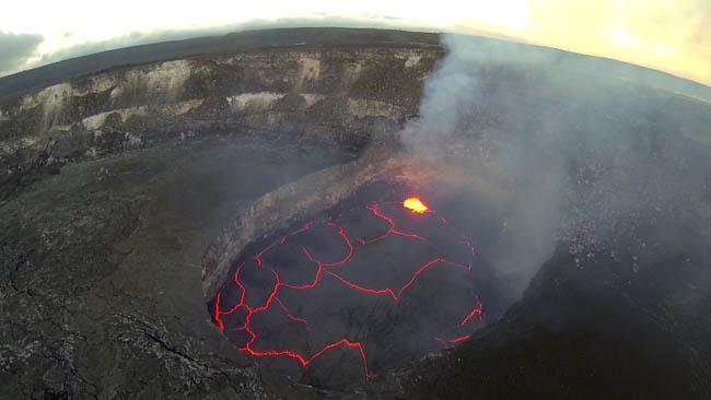Halemaumau Crater, Kilauea Caldera in Hawaii Volcanoes National Park.
