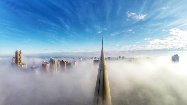 Above the mist, Maringá, Paraná, Brazil
