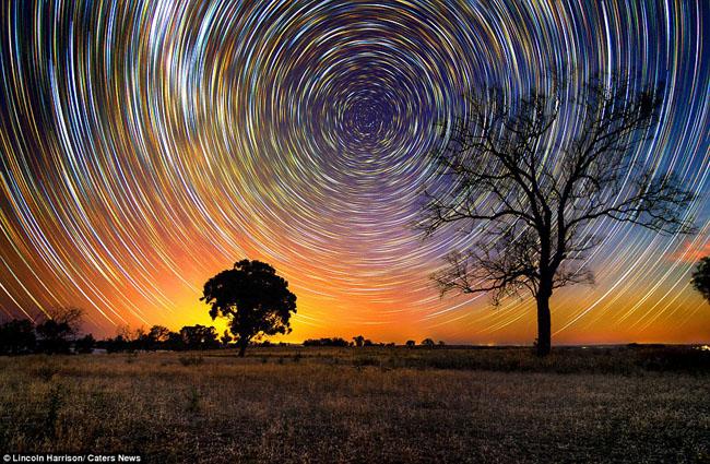 Time-lapsed Australian night sky