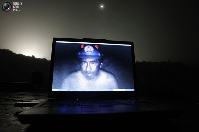 21st century photos - Live images of the Chilean miners trapped in a mine for 21 days. [2010]