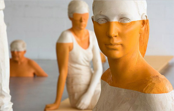 Lifelike Sculptures by Willy Verginer